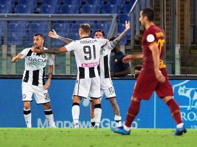 Roma cae en casa contra Udinese y toca fondo