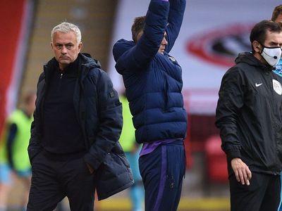 """Mourinho, sobre el VAR: """"Si digo lo que pienso, me suspenden"""""""
