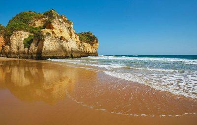 Portugal reabrirá playas el 6 de junio en un intento por reconstruir el turismo