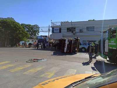 Accidente en intercesión de Rutas Py01 y Py02