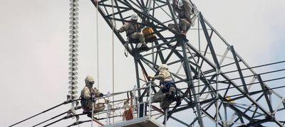 Cuestionan importación de torres para obras locales