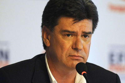 Efraín Alegre pide transparencia a las binacionales, pero en el pasado financiaba sus vuelos electorales con dinero de la EBY