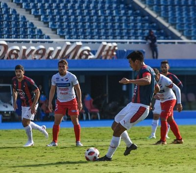 Cerro y Nacional empatan en un amistoso lleno de goles y penales
