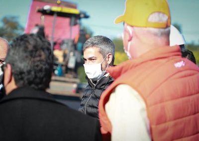 """COVID: Mario Abdo pide ser el """"doble de cuidadosos"""" para mantener aplanada la curva"""