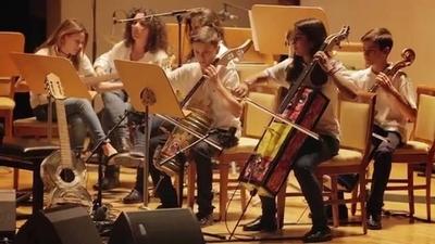 HOY / Orquesta de Reciclados de Cateura y su homenaje a atentados en Nueva York, en Nde Rógape