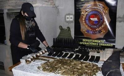 """Hallan armas de uso militar que serían para vender al """"mercado negro"""""""