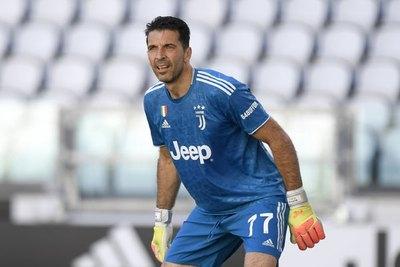 Buffon bate el récord de partidos disputados en la Serie A