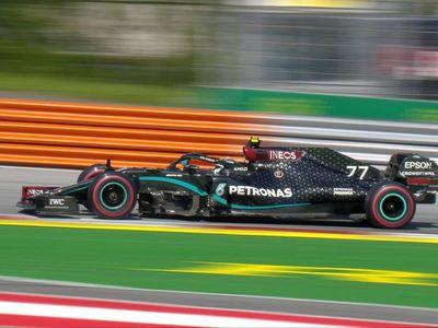 Bottas sorprende a Hamilton y toma la pole
