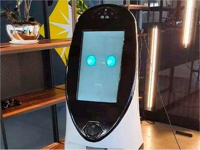 Un robot es herramienta útil en la batalla contra el coronavirus