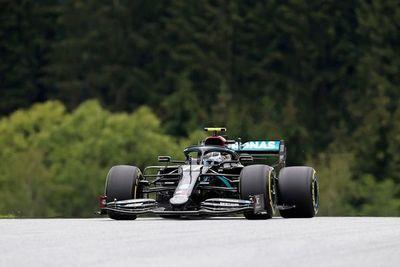 Bottas 'roba' a Hamilton la pole