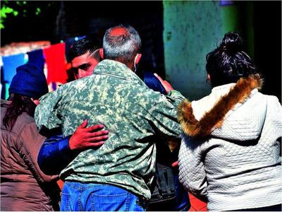 En medio de las necesidades dieron último adiós a víctimas de masacre