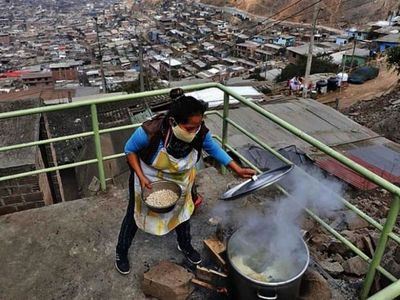 Sacerdote misiona en pandemia llevando pan a 8.000 peruanos