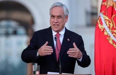 HOY / Piñera promulgó la ley que limita la reelección de los parlamentarios en Chile