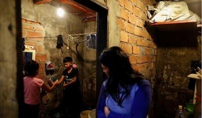 Pobreza infantil se dispara en Argentina por pandemia del coronavirus