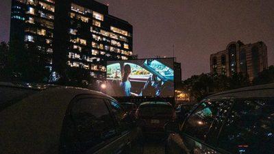 México inicia la reapertura de los espectáculos con un autocine
