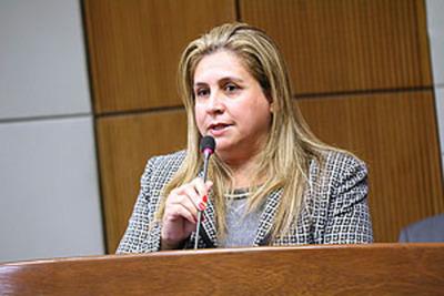 Diputada asegura que no tiene negocios con la Municipalidad de Minga Guazú