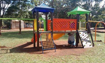 Municipalidad de Franco instala nuevo parque infantil en el barrio Santa Inés – Diario TNPRESS