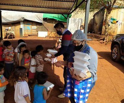 Carlos Portillo sigue entregando  alimentos con las ollas populares – Diario TNPRESS