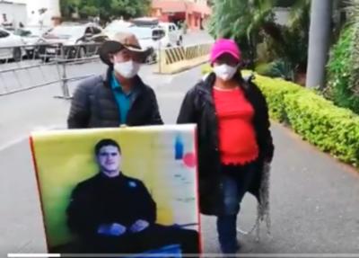 HOY / Obdulia Florenciano, madre de Edelio Morínigo, se reunirá con la fiscal general del Estado, Sandra Quiñónez