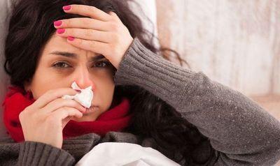 Temporada alta de rinitis, gripe y la confusión con el COVID, señalan diferencias
