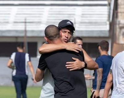 Olimpia y San Lorenzo jugarán dos amistosos