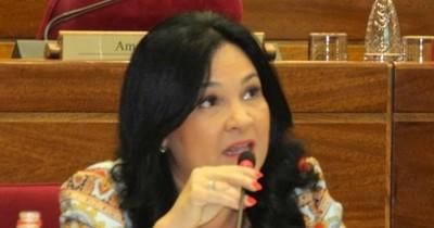 Esposo de exsenadora Bajac imputado por violar cuarentena obtuvo permiso para viajar