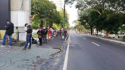 IPS analiza elevar a 75 % de sueldo mínimo subsidio para cesados temporales