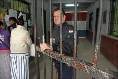 Ministerio de Justicia aguarda respuesta de Salud para permitir de nuevo visitas en cárceles