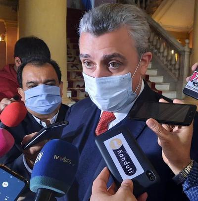 """Villamayor reafirma que no hubo daño patrimonial en la compra de insumos: """"No se juzgan las intenciones"""""""