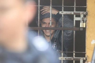 "Buscan ""depurar"" comisarías por saturación de 1.000 detenidos por violación de cuarentena"