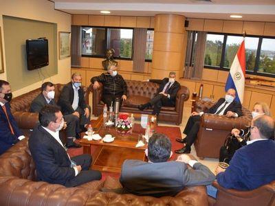 Mario Abdo hace lobby en el Senado por ley de reactivación económica