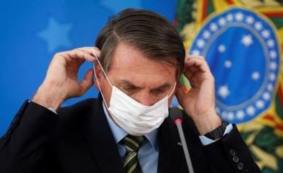"""Jair Bolsonaro da positivo a la """"gripesinha"""""""