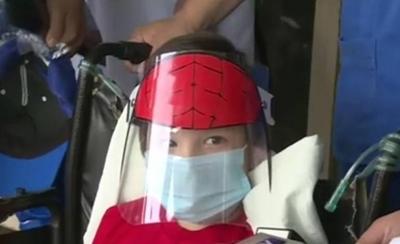 HOY / Padre de niño baleado por policías pide examen de salud mental para toda la fuerza del orden
