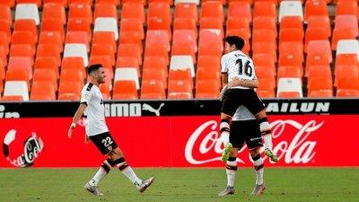 Valencia se acerca a puestos de Europa League tras su triunfo