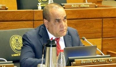 HOY / Diputado Basilio Nuñez, habla en conferencia de prensa sobre la evaluación de gestión del Ejecutivo