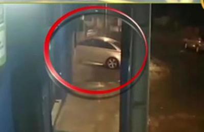 Sajonia: Conductora atropelló una vivienda y huyó