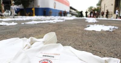 """""""Dios es paraguayo, estamos protegidos por él"""", dice médica ante falta de insumos y equipos"""