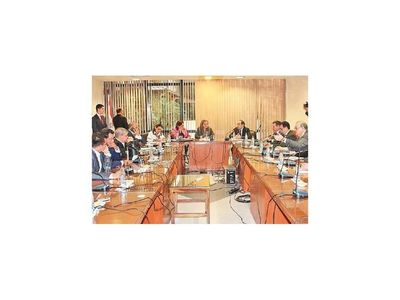 Comisión de Senado retomará cambios en ley de diplomáticos