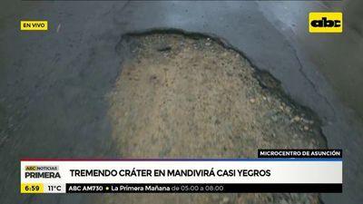 Tremendo cráter en pleno microcentro de Asunción