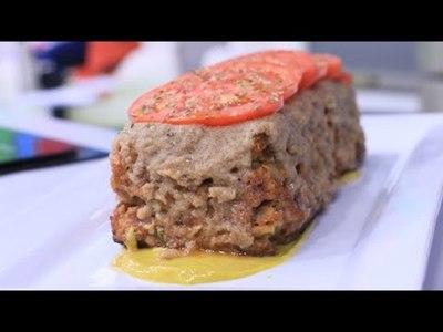 Buñuelos de frutilla y Pastel de carne con salsa tahini