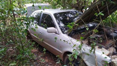 Abandonan vehículo utilizado en tiroteo con policías