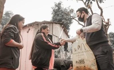 Shopping París ya entregó más de 700 kits de alimentos esta semana