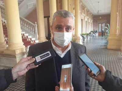 Villamayor considera que Mazzoleni tiene desgaste administrativo, pero no así en su política de salud