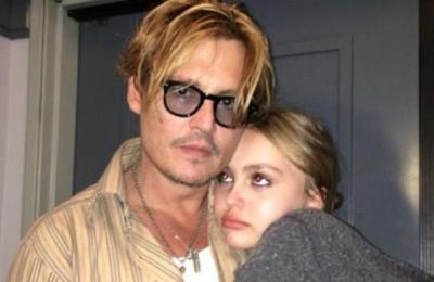 Johnny Depp reconoce que le comenzó a dar marihuana a su hija cuando ella tenía 13 años