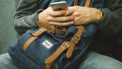 Hoy el dispositivo más utilizado es el celular (más de 3 horas al día conectados)