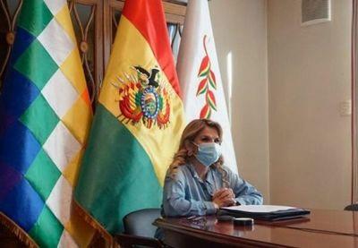 Presidenta boliviana da positivo a Covid-19