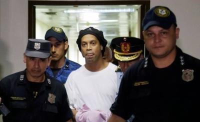 HOY / El proceso contra Ronaldinho queda firme