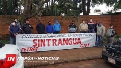 CHOFERES DE TRANSPORTE PÚBLICO LLEGARON A UN ACUERDO CON SUS PATRONALES