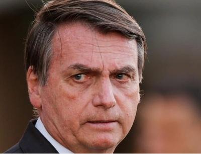 """La última de Bolsonaro: dice que llevar mascarillas """"es cosa de gays"""""""
