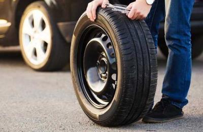 Detienen a sujeto que pinchó más de 1.000 neumáticos para encontrar pareja